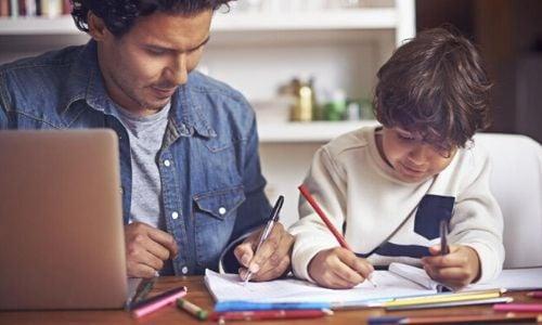 como-ayudar-tu-hijo-con-sus-tareas-1