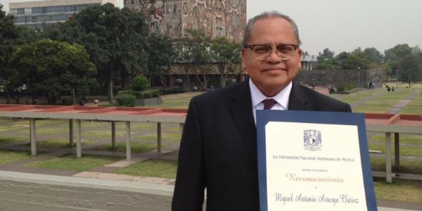 colegio-williams-reconocimiento-profesor-UNAM.png