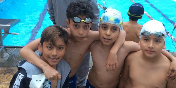 5-competencia-natacion-Colegio-Williams.png